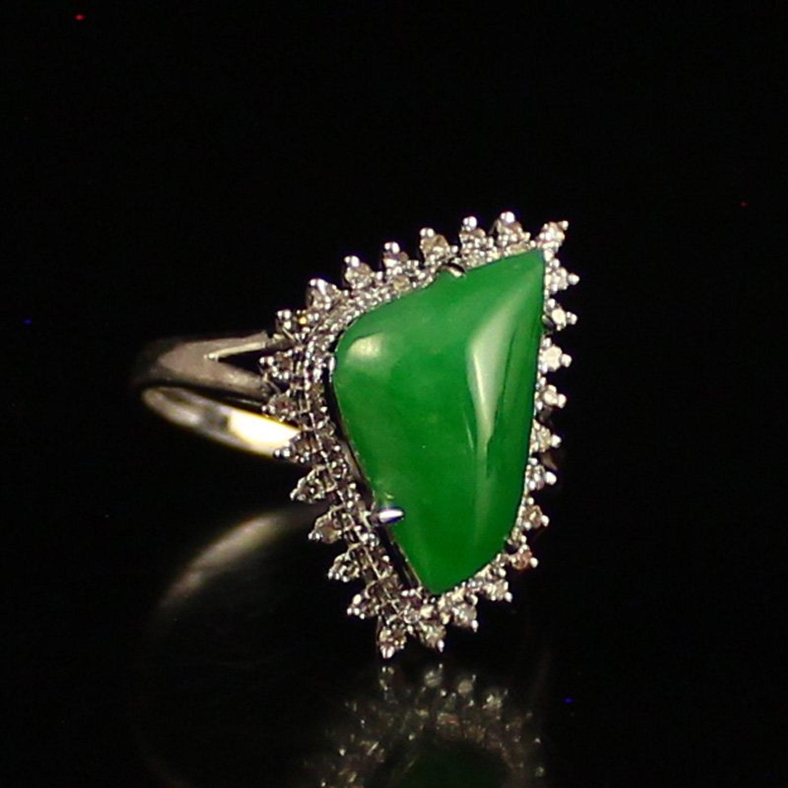 Kenapa Harga Batu Jadeite Bisa Melebihi Emas